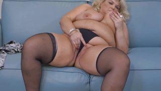 Big busty breasted BBW fingering herself